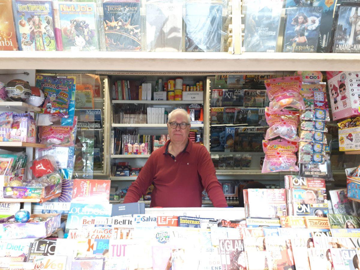 Acilia: il signor Emilio lascia l'edicola in Via di Saponara