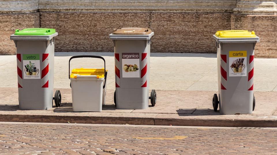 Il Comune ordina l'utilizzo dei Sacchetti Trasparenti per i rifiuti domestici
