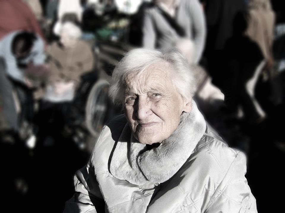 Alzheimer, come riconoscere e affrontare questa malattia