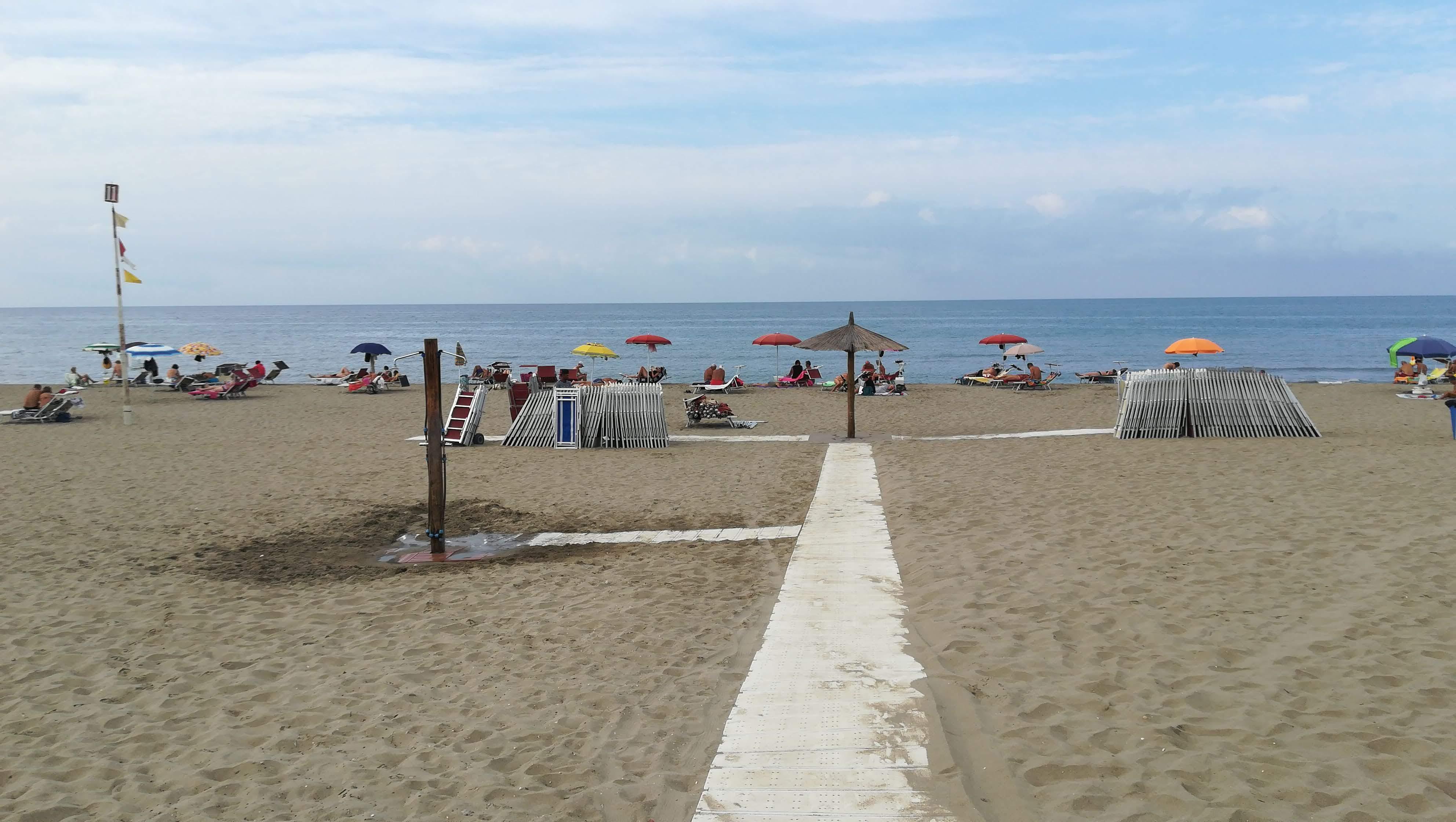 Raggi: la spiagge accessibili devono essere garantite a tutti