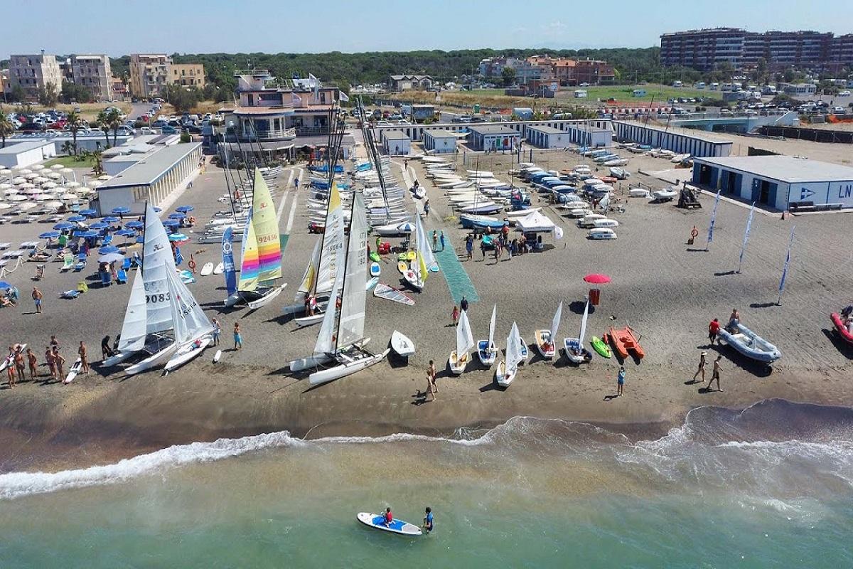 La Lega Navale di Ostia è la seconda scuola vela d'Italia