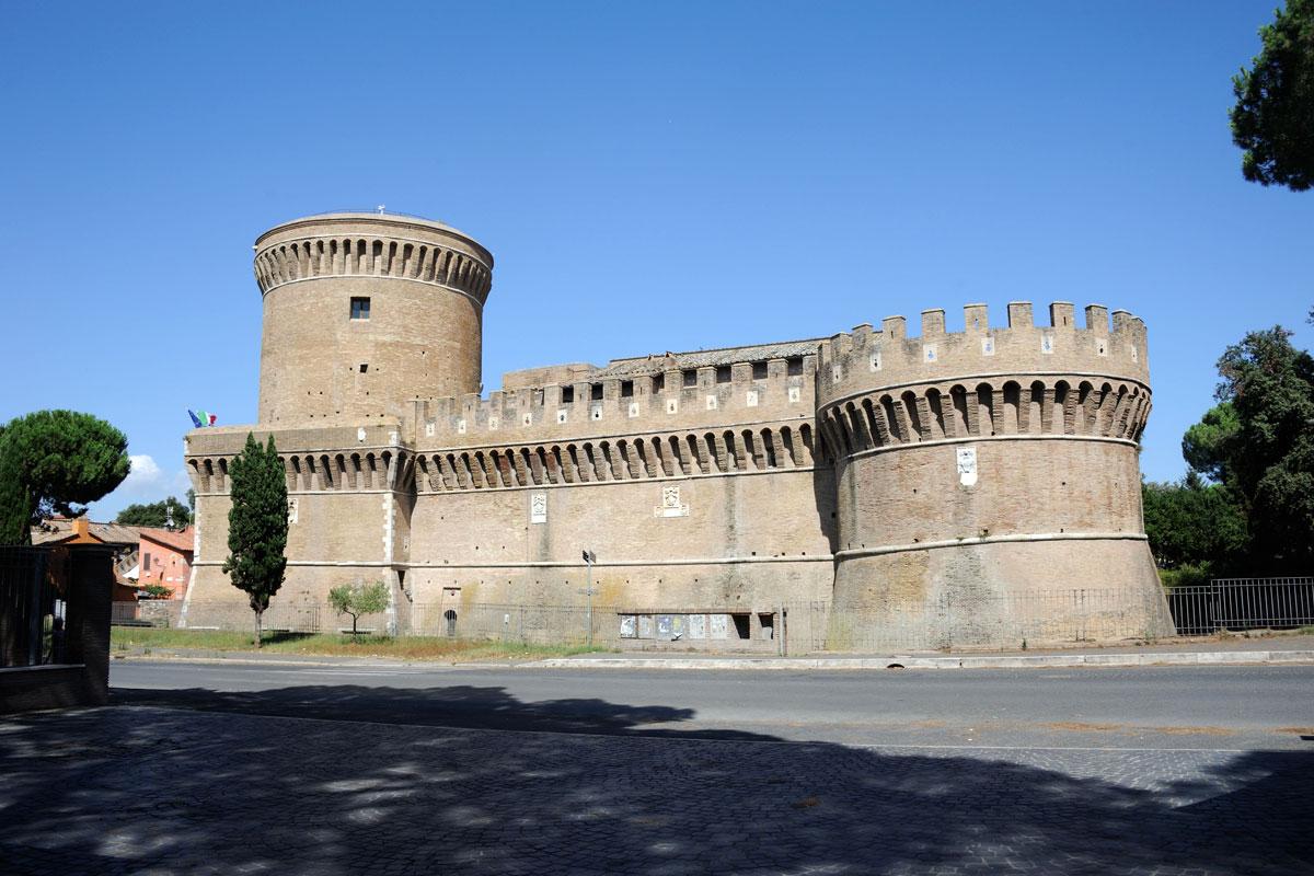 Ostia Antica: nuovi orari al Castello di Giulio II