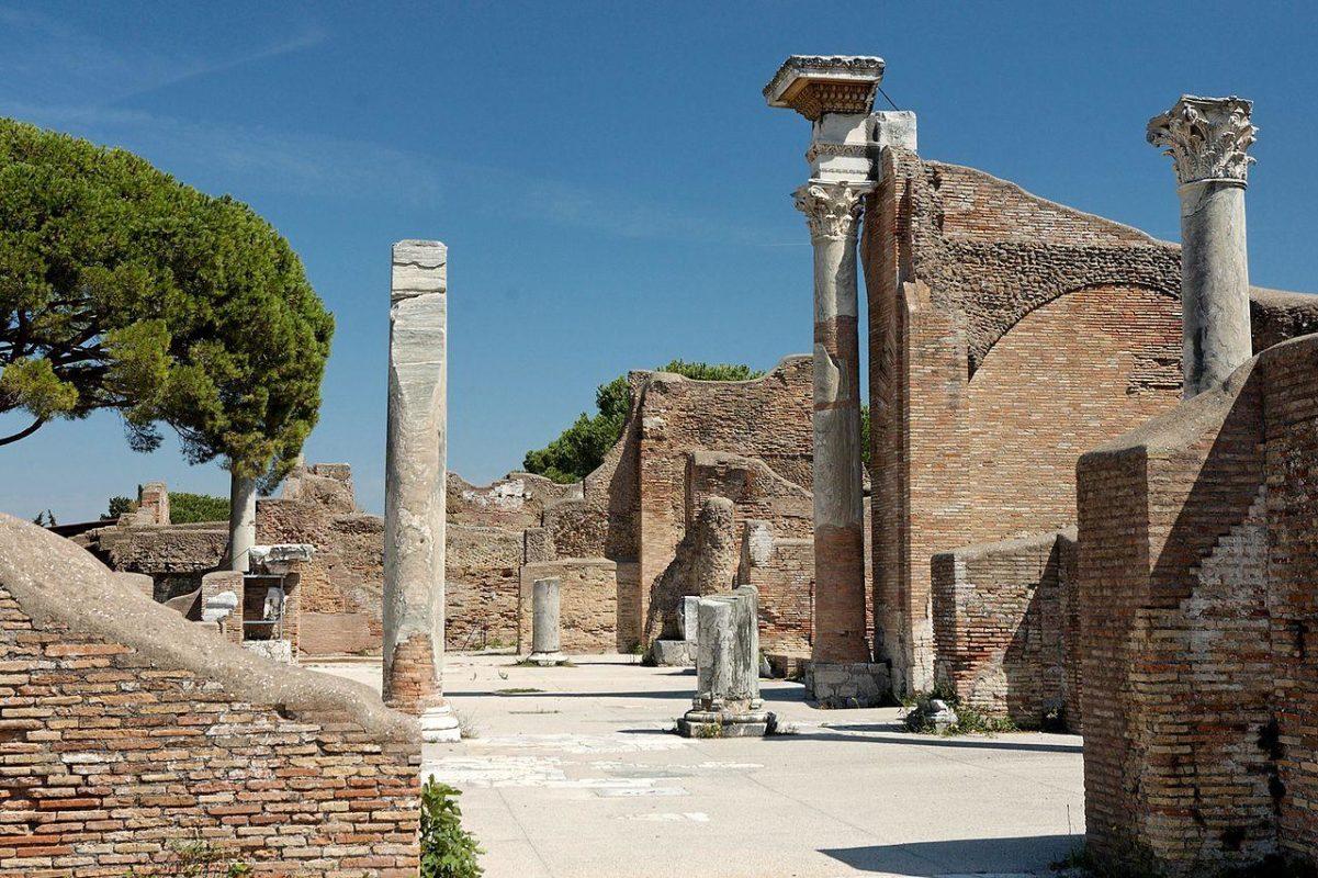 Dall'orbe all'urbe le vie del marmo nel mondo romano
