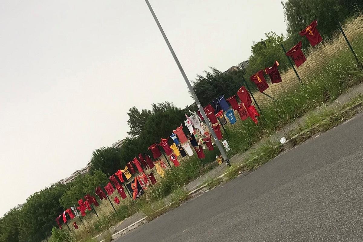 Parco della Madonnetta: un muro di magliette per Riccardo